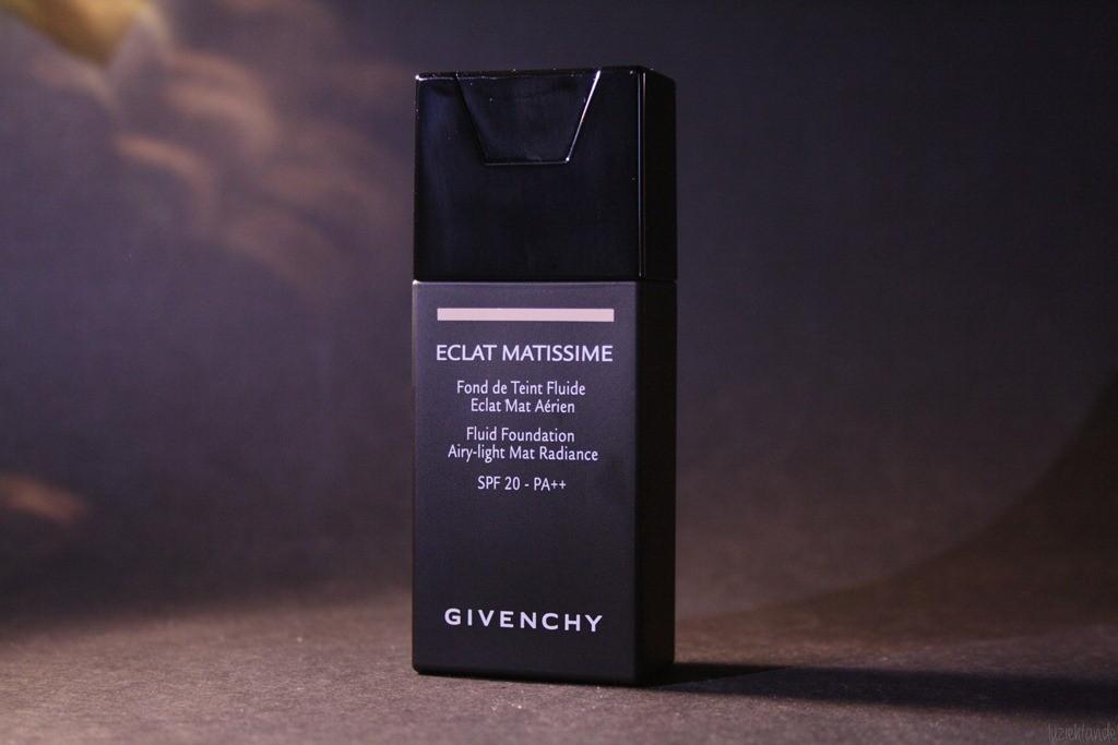 Skin Perfecting Mattifying Foundation od Celia pre mastnú a zmiešanú pleť