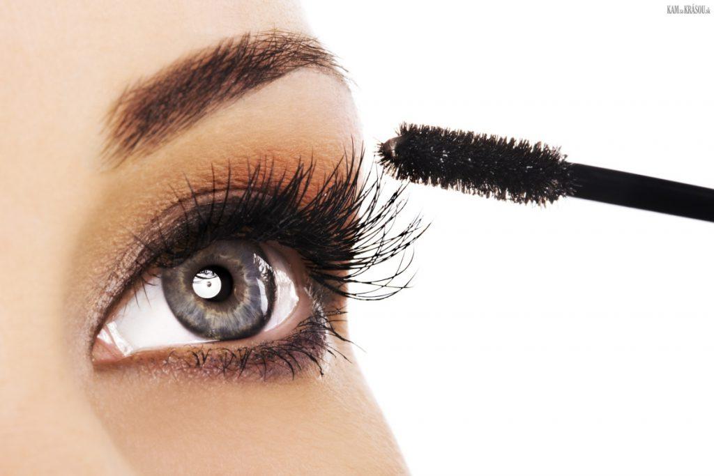Čo sa dá urobiť aby ste si predĺžilai riasy? Skúste kondicionér na očné riasy.